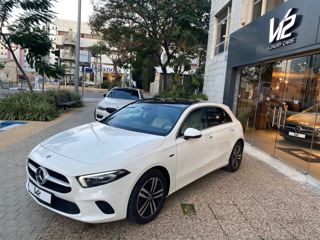 Mercedes A250e